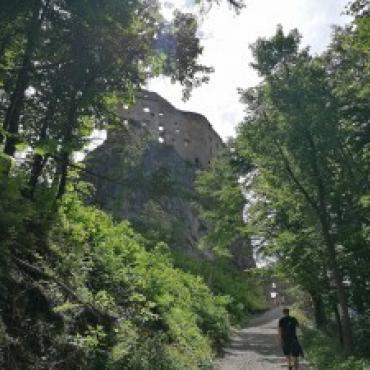 Vandrovka za najvyššími hradnými múrmi Hradu Likava