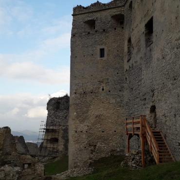 Vandrovka s deťmi a nedobytný hrad Lietava