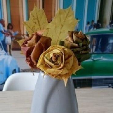 Čary čmáry s deťmi ♥ Jesenné ruže z listov