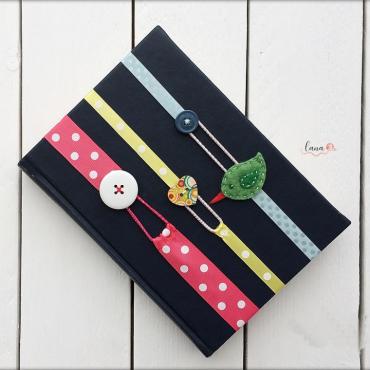 Marec mesiac knihy - vyrobte si záložku zo stužky
