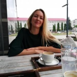 Neobyčajné stretnutia - diel 1 - odvážna online marketérka