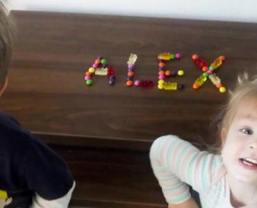 Do výzvy na tvorivé napísanie mena ALEX sa zapojilo viac ako tisíc ľudí