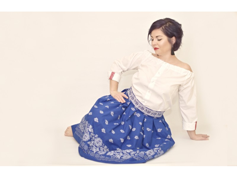 Dámska folklórová skladaná sukňa