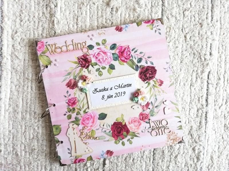 Kvetinový svadobný fotoalbum