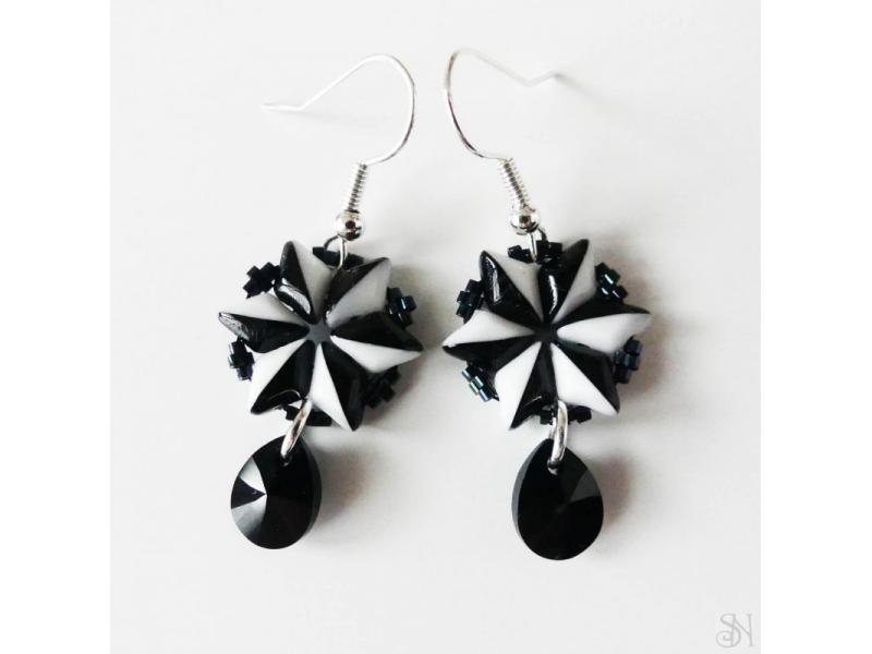 Elegantné čiernobiele náušnice so Swarovski krištálom