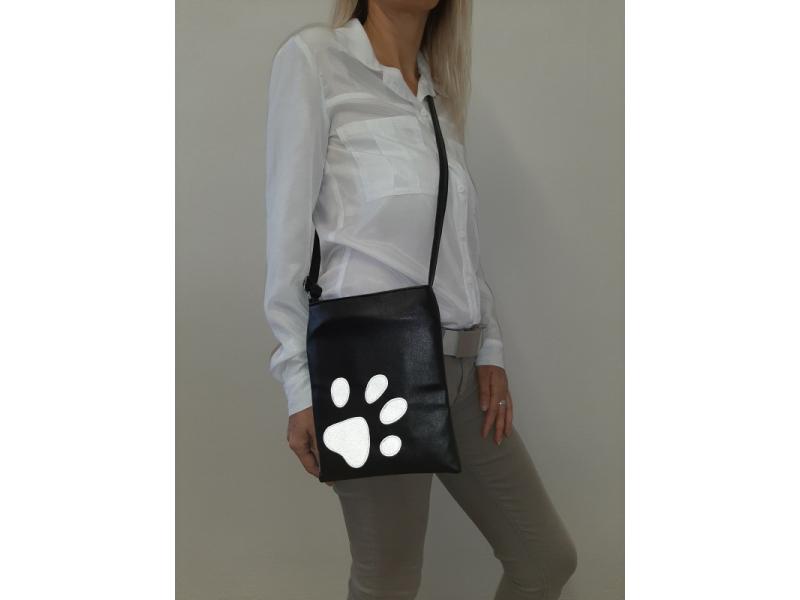 Crossbody kabelka s motívom ťapky