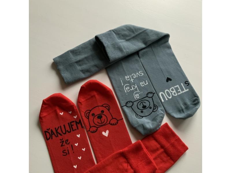 Maľované zamilované červené  + sivé ponožky