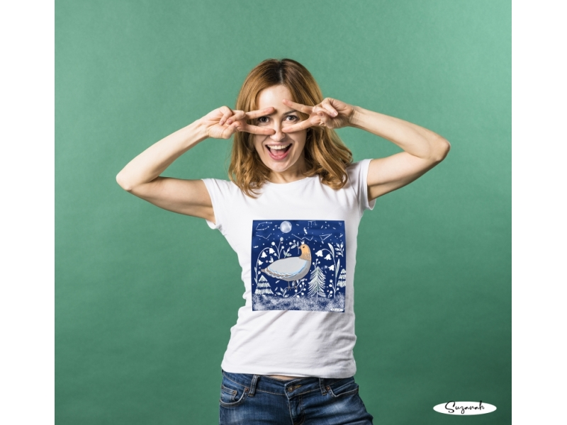 Ilustrácia na tričku v modrom