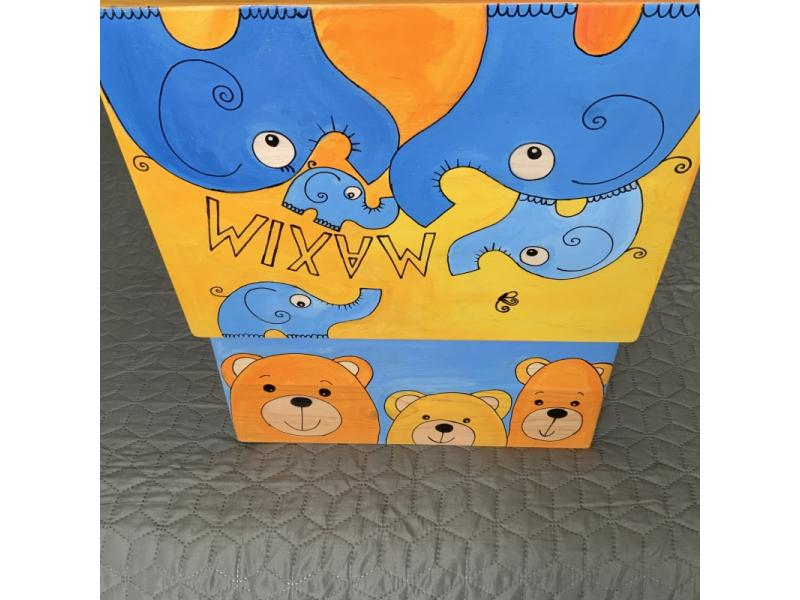 Maľované drevená debnička so zvieratkami A MENOM/ nápisom na želanie
