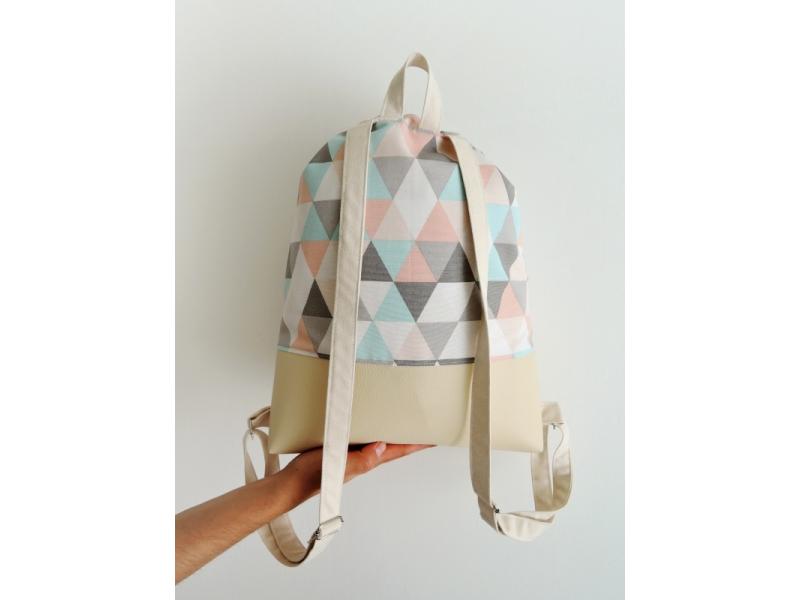 Dámsky batoh - dievčatko s kvietkami