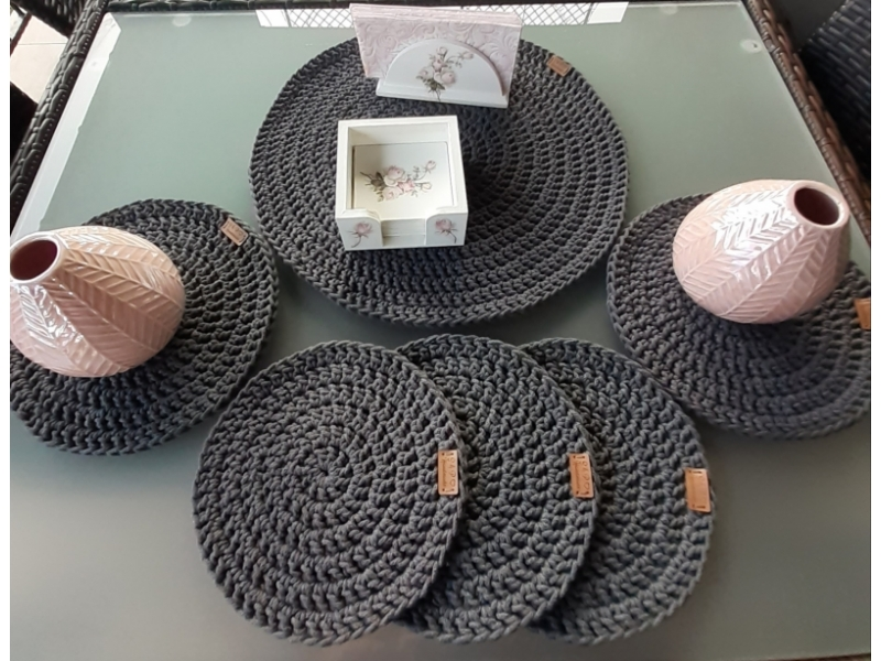 Háčkované kruhové prestieranie 3mm, veľkosť XS