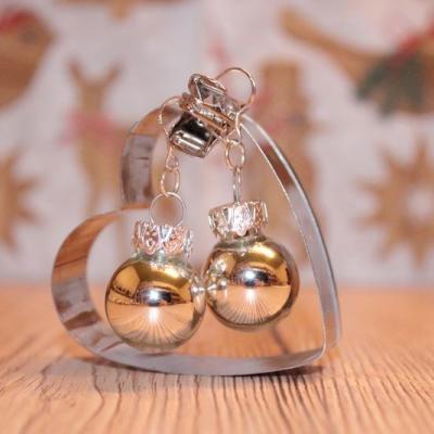 Vianočné náušnice - strieborné (lesklé)