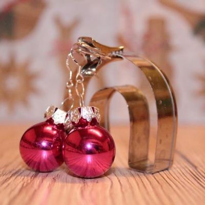 Vianočné náušnice - ružové (lesklé)