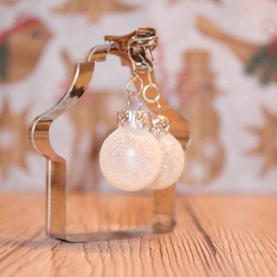 Vianočné náušnice - biele (snehovo trblietavé)