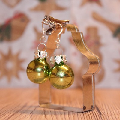 Vianočné náušnice - zelené (lesklé)