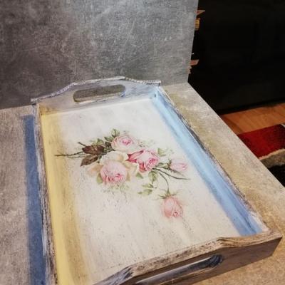 Vintage tácka s ružami