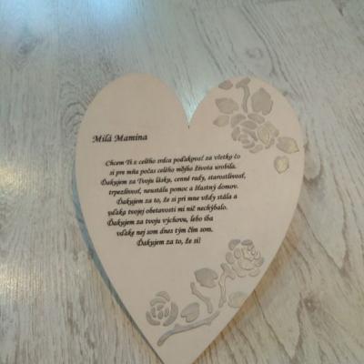 Drevene srdce pre mamu
