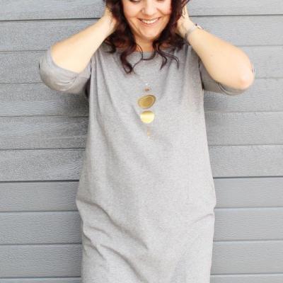 Dámske šaty s vreckami sivé z úpletu M15 IO18