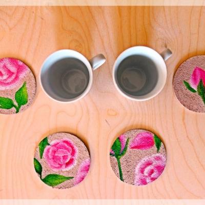 Maľované podšálky plné ruží