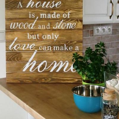 Drevená dekorácia - tabuľa s textom