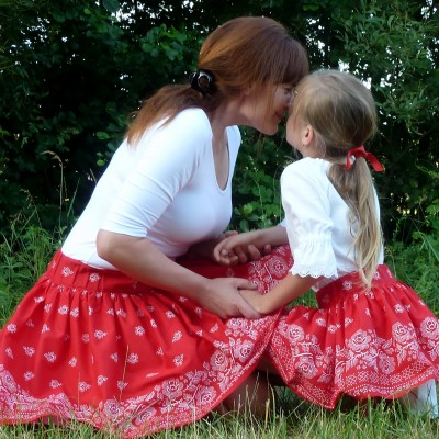 Sukienka Bordúra Folk dámska krátka