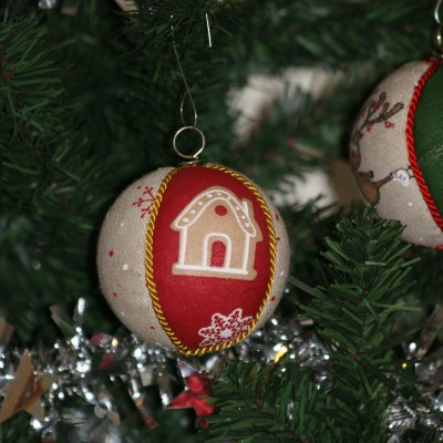 Vianočné gule  - domček