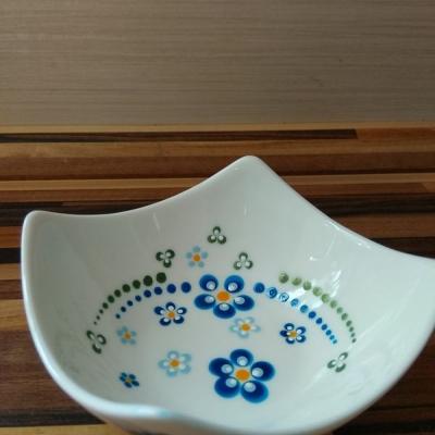 Modré kvety miska