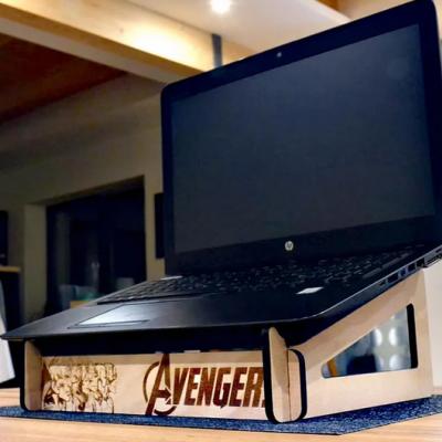 Chladiaci stojan na notebook
