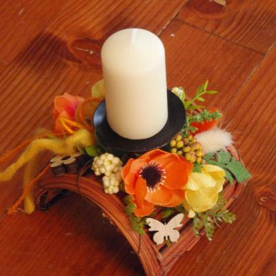 Jarný poloblúkovitý svietnik so sviečkou