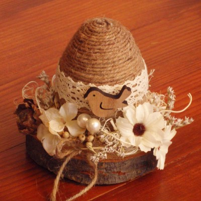 Veľkonočné jutové vajíčko na dreve