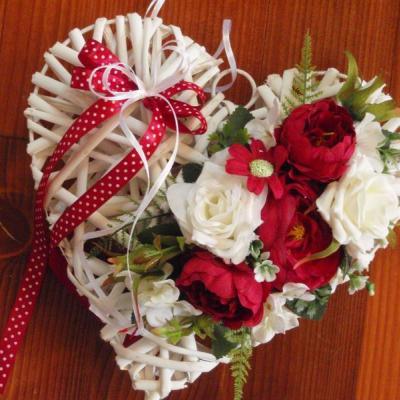 Bordovo-ivory srdce s mašľou