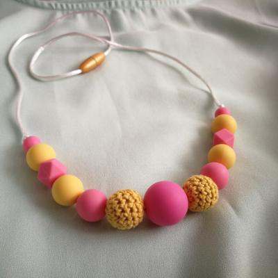 Dojčenský silikónový náhrdelník (kojokorále)