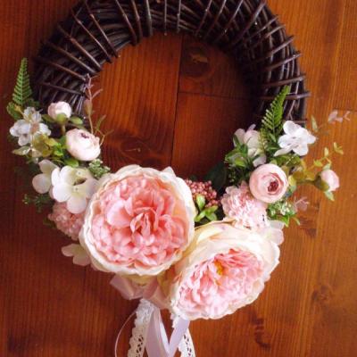 Veniec s ružovými pivonkami 36cm