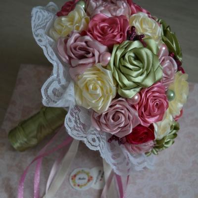 Gratulačná saténová kytica