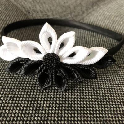 Čelenka black&white