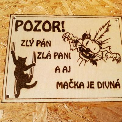 Tabuľka pozor pes XX.