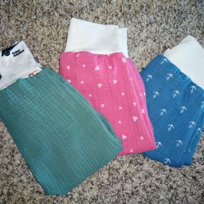 Mušelínové nohavice ružové