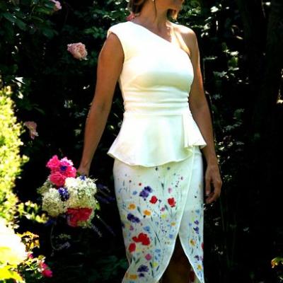 Ručne maľované nežné svadobné šaty