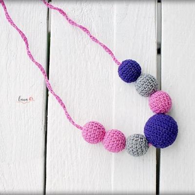 Cukríky - háčkovaný náhrdelník
