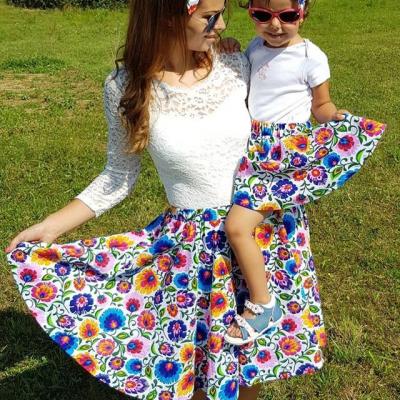 Dámska kruhová sukňa Folk kvety