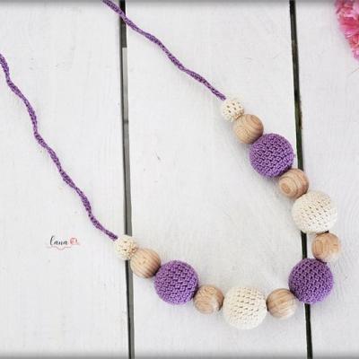 Fialky - háčkovaný náhrdelník