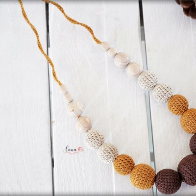 Gaštany - háčkovaný náhrdelník