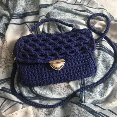 Háčkovaná kabelka - kráľovská modrá