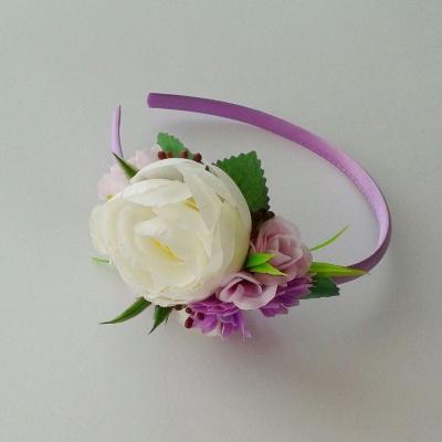 Fialová kvetinová čelenka