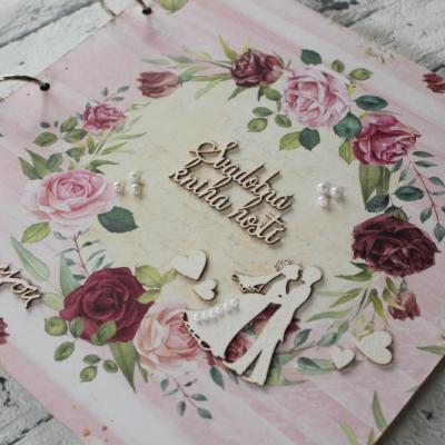 Kvetinová svadobná kniha hostí