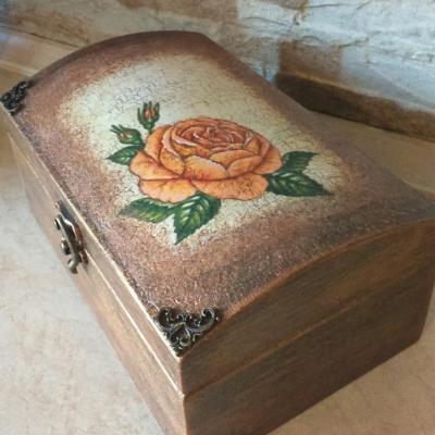 Šperkovnica s ružou