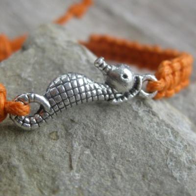 Pletený náramok detský (oranžový morský koník, č. 2722)