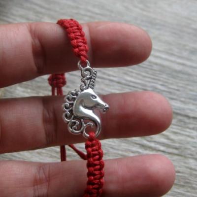Pletený náramok detský (červený jednorožec, č. 2724)