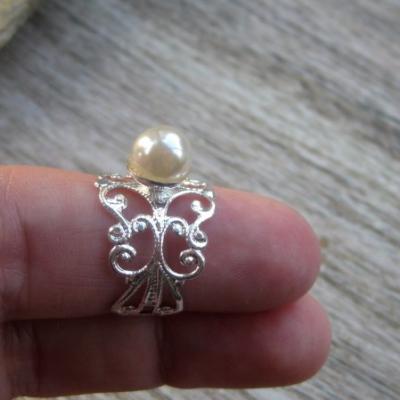 Filigránový prsteň s perlou (farba kovu striebro, smotanová perla, č. 2749)