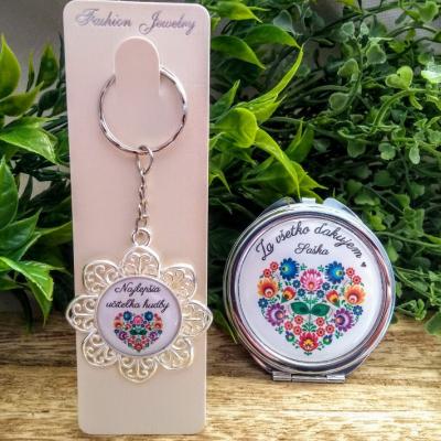 Kľúčenka a zrkadielko pre pani učiteľku s vlastným dizajnom a textom